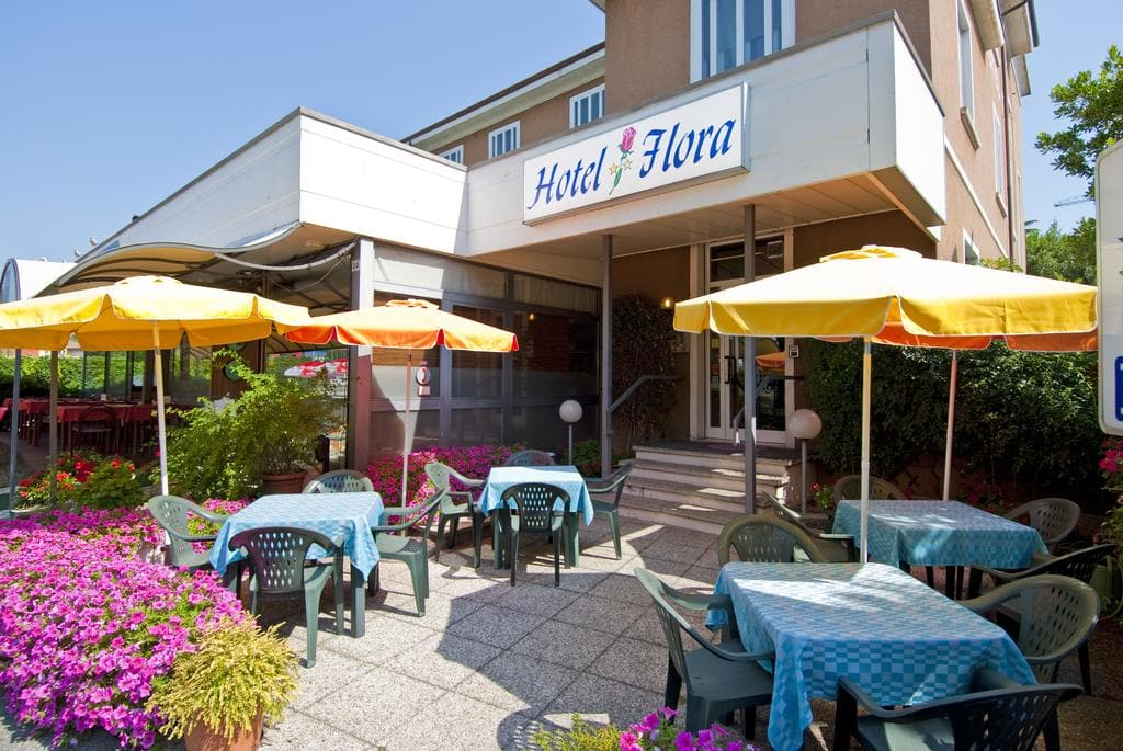 Hotel Flora Desenzano del Garda, Booking, Reviews, Lago di Garda, Lake Garda, Gardasee