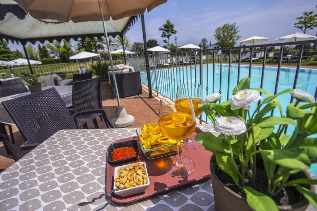 Residence Karina Moniga del Garda, Booking, Reviews, Lago di Garda, Lake Garda, Gardasee