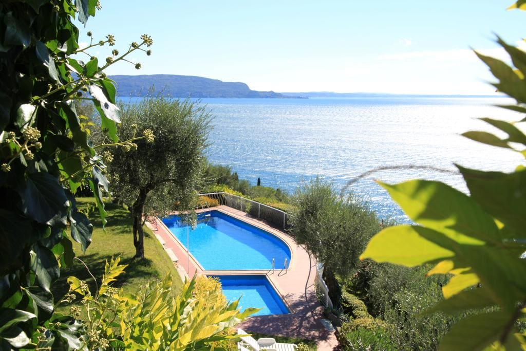 Apartment La Villa Fasano Gardone Riviera, Booking, Reviews, Lago di Garda, Lake Garda, Gardasee