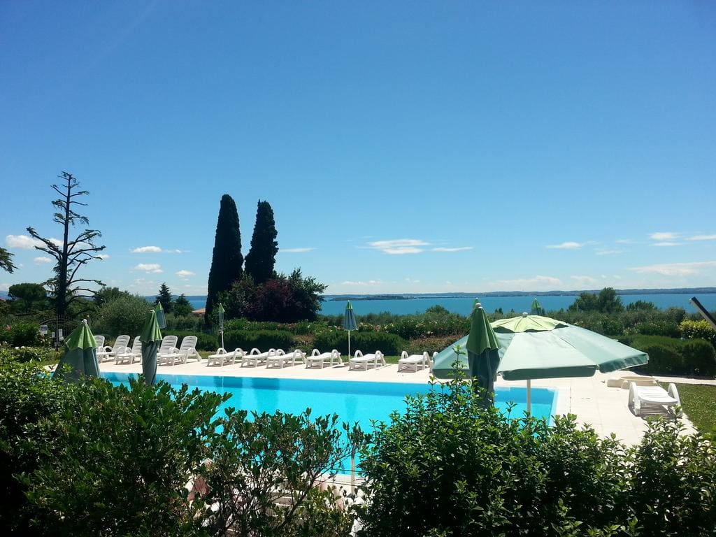 Residence Corte Ferrari Moniga del Garda, Booking, Reviews, Lago di Garda, Lake Garda, Gardasee