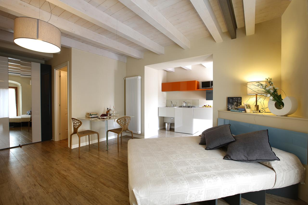 Corte San Luca Apartments, Booking, Reviews, Lago di Garda, Lake Garda, Gardasee