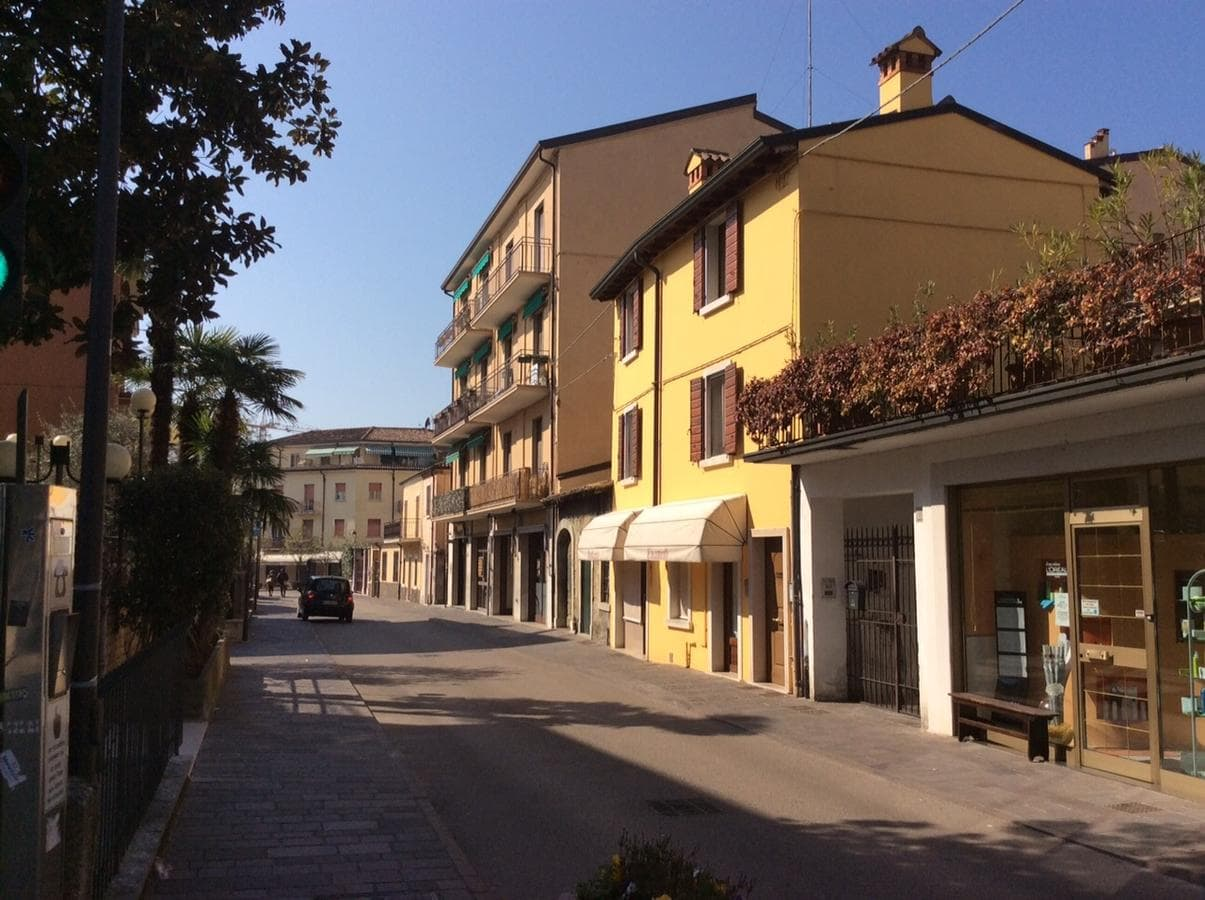 Borgo Cavour Apartaments, Booking, Reviews, Lago di Garda, Lake Garda, Gardasee