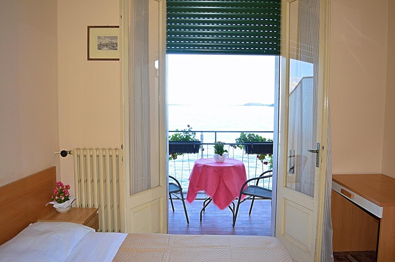 Hotel Diana, Booking, Reviews, Lago di Garda, Lake Garda, Gardasee
