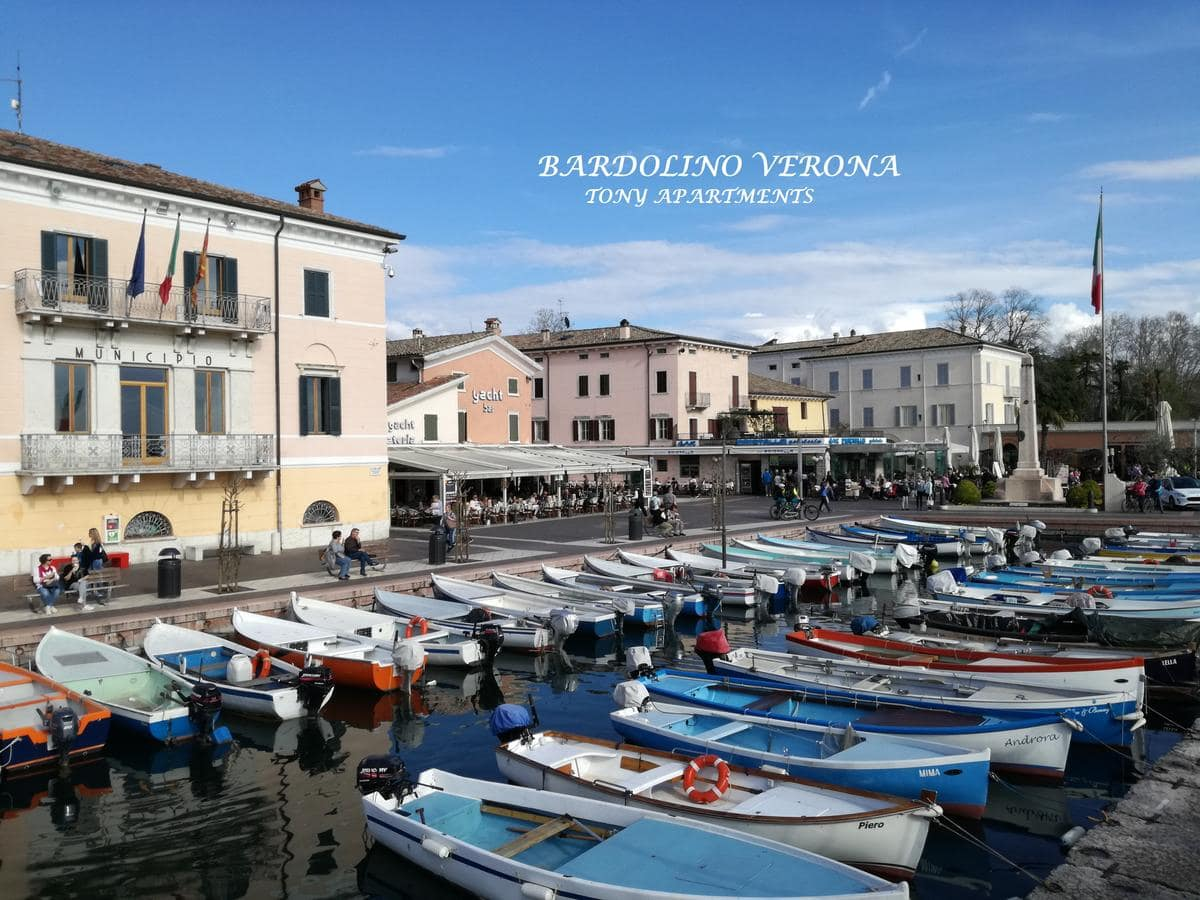 Apartments Tony in Bardolino, Booking, Reviews, Lago di Garda, Lake Garda, Gardasee